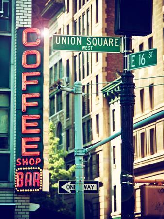 https://imgc.artprintimages.com/img/print/coffee-shop-bar-sign-union-square-manhattan-new-york-united-states_u-l-q1ge9zq0.jpg?p=0
