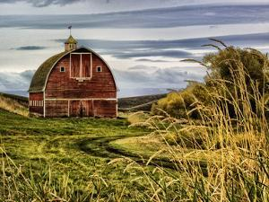 Palouse Barn by Colby Chester