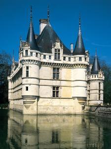Chateau Azey Le Rideau, Loire, France (1518 - 1527) by Colin Dixon