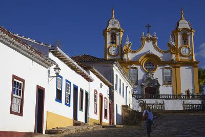 Colonial Houses and Matriz de Santo Antonio Church, Tiradentes, Minas Gerais, Brazil, South America-Ian Trower-Photographic Print