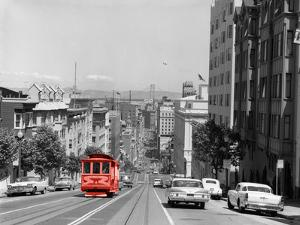 Color Pop,1950s 1960s CABLE CAR IN SAN FRANCISCO CALIFORNIA USA, Living Coral