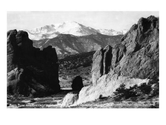 Colorado Springs, Colorado - View of Pikes Peak from Gateway to Garden of the Gods, c.1953-Lantern Press-Art Print
