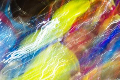 https://imgc.artprintimages.com/img/print/colorful-glass-with-blurred-motion-effect_u-l-q1dk3d80.jpg?p=0
