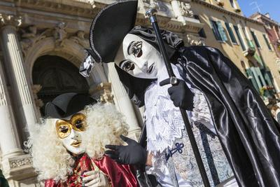 https://imgc.artprintimages.com/img/print/colourful-masks-and-costumes-of-the-carnival-of-venice-famous-festival-worldwide-venice-veneto_u-l-q1bsv6h0.jpg?p=0
