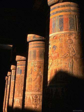 https://imgc.artprintimages.com/img/print/columns-at-ramses-iii-second-court-medinat-habu-thebes-luxor-egypt_u-l-p1zdbh0.jpg?p=0