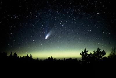 Comet Hale-Bopp And Aurora Borealis, 30 March 1997-Pekka Parviainen-Photographic Print