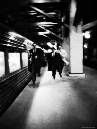 https://imgc.artprintimages.com/img/print/commuters-on-new-york-new-haven-line-running-to-catch-train-pulling-out-of-grand-central-station_u-l-p3m8kd0.jpg?p=0