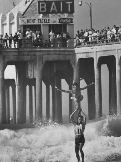 Competition in Tandem Surfing-John Loengard-Photographic Print