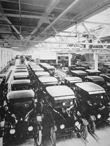 Completed Model T Ford Motorcars Await Delivery, 1925