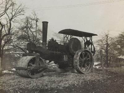 Compressor of the Italian Army During the First World War-Luigi Verdi-Photographic Print