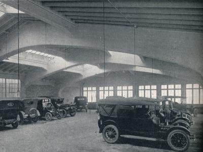 Concrete portal or rigid bent, 1922--Photographic Print