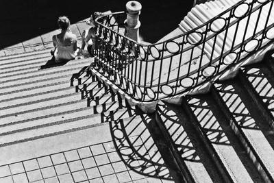 https://imgc.artprintimages.com/img/print/confidential-stairs_u-l-q11dito0.jpg?p=0