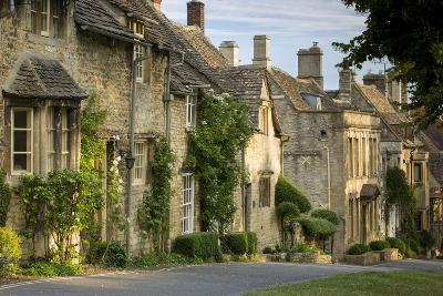 Connected Cottages in Burford, Cotswolds, Oxfordshire, England-Brian Jannsen-Photographic Print