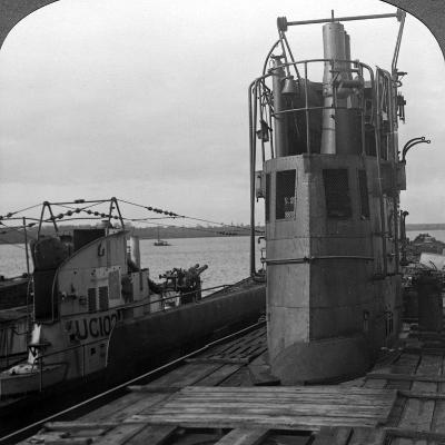 Conning Tower of a Mine-Laying German U-Boat, World War I, 1914-1918--Photographic Print