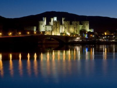 https://imgc.artprintimages.com/img/print/conwy-castle-and-town-at-dusk-conwy-wales-united-kingdom-europe_u-l-p91scv0.jpg?p=0