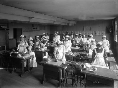 Cooking Class, Seattle, 1909-Ashael Curtis-Giclee Print