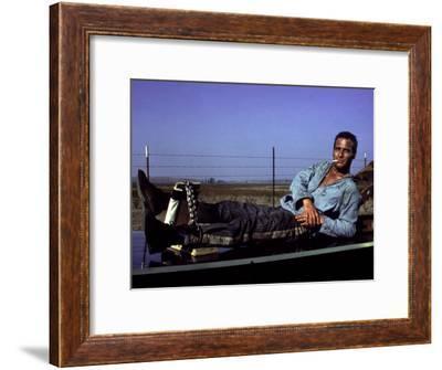 Cool Hand Luke, Paul Newman, 1967, Leg Irons--Framed Photo