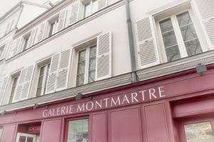 Galerie Montmartre by Cora Niele