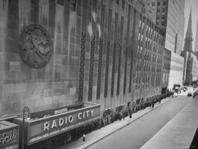 "People at Radio City Music Hall Waiting to See Greer Garson and Clark Gable in ""Adventure"""