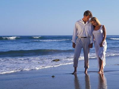 Couple on Vacation at Tropical Beach-Bill Bachmann-Photographic Print
