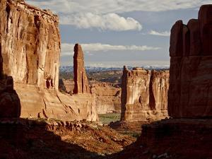 Courthouse Towers and Park Avenue, Arches National Park, Utah, USA