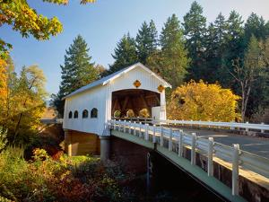 Covered bridge over a river, Rochester Covered Bridge, Calapooia River, Douglas County, Oregon, USA