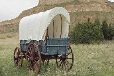 Covered Wagon Replica on the Oregon Trail, Scotts Bluff National Monument, Nebraska--Photographic Print