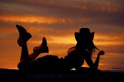 Cowgirl Lay Stomach Silhouette-Alan and Vicena Poulson-Photographic Print