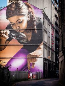 Street Painting on a Wall in Glasgow by Craig Roberts