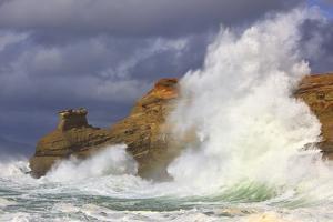 Big Waves Breaking on Cape Kiwanda, Oregon Coast by Craig Tuttle