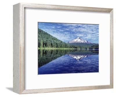 Reflection of Mt. Hood in Trillium Lake