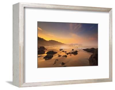 Sunrise over Crescent Beach, Oregon Coast, Pacific Ocean, Pacific Northwest