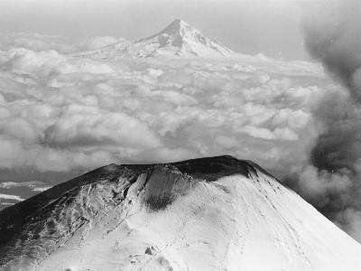 Craters Atop Mount St. Helens Stand Silent--Photographic Print