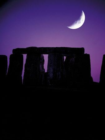 https://imgc.artprintimages.com/img/print/crescent-moon-over-stonehenge-england_u-l-pxytmj0.jpg?p=0