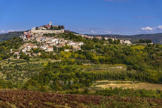 Croatia, Istria, Mirnska Dolina, Motovun, Town View-Udo Siebig-Photographic Print