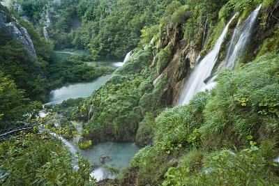 Croatia, National Park Plitvice, Waterfall-Rainer Mirau-Photographic Print