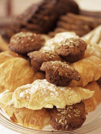 https://imgc.artprintimages.com/img/print/croissants-and-muffins-south-africa-africa_u-l-p1pyi00.jpg?p=0