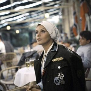 Croix by Fer CROSS OF IRON by SamPekinpah with Senta Berger, 1977 (photo)