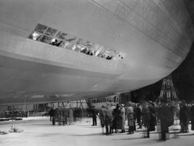 Crowd and Zeppelin
