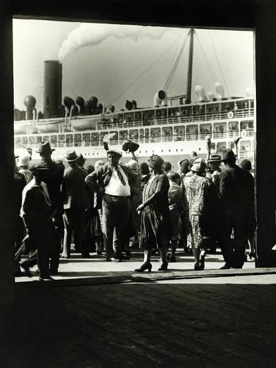 Crowd at a Steamship Departure-Edwin Levick-Photographic Print