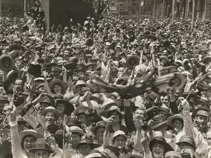 Crowd in Martin Place