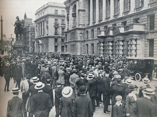 Crowd waiting outside the War Office on the morning before war was declared', 1914-Unknown-Photographic Print