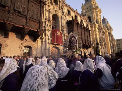 Crowds Celebrating Christian Festival of Easter Sunday, Lima, Peru, South America-Oliviero Olivieri-Photographic Print