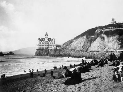 Crowds Enjoy the Beach Below the Cliff House--Photographic Print