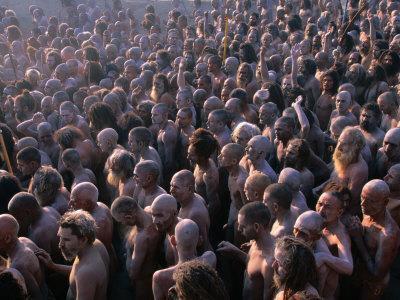 https://imgc.artprintimages.com/img/print/crowds-of-naga-sadhus-during-maha-kumbh-mela-festival-allahabad-india_u-l-p5ed2l0.jpg?p=0