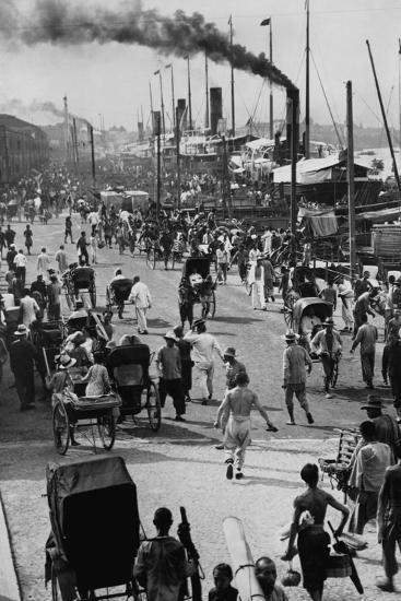 Crowds on the Bund in Shanghai--Photographic Print