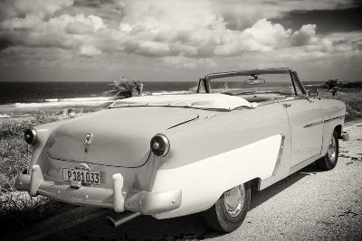 Cuba Fuerte Collection B&W - American Classic Car on the Beach III-Philippe Hugonnard-Photographic Print