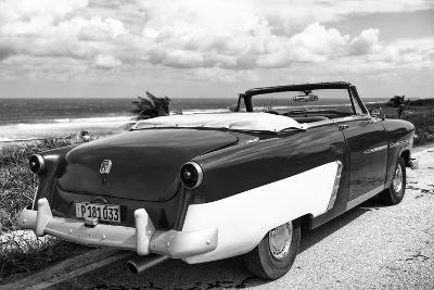 Cuba Fuerte Collection B&W - American Classic Car on the Beach IV-Philippe Hugonnard-Photographic Print
