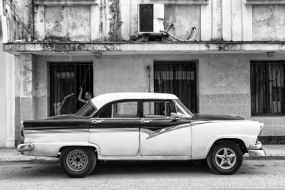 Cuba Fuerte Collection B&W - Classic American Car in Havana Street II-Philippe Hugonnard-Photographic Print
