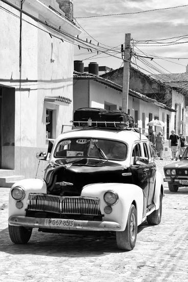 Cuba Fuerte Collection B&W - Classic Car Taxi II-Philippe Hugonnard-Photographic Print